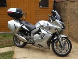 Honda CBF1000 AT (2009) in silver with ABS and full Honda panniers and top box