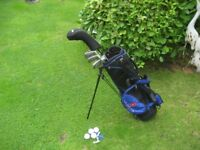 JUNIOR GOLF CLUBS LEFT HAND IN BAG WITH STAND