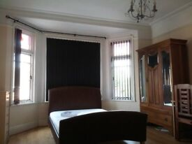 1 Large double room in AIGBURTH sefton park all bills included fully furnished
