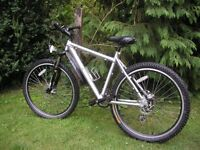 revolution cadence disc sport ladies 24 speed,exceptionally strong/reliable,superb condition