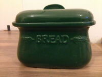 USED GREEN CERAMIC VINTAGE BREAD BIN STORAGE BOX