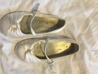 Girls Size 13 Ivory knot bridesmaid/occasion shoes