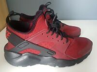 NIKE AIR HUARACHE (Red and Black)