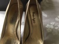 Phase Eight Nude patent leather Cara platform shoe size 5