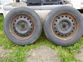 2x Avon Ice Touring and 2x Goodride Snow Master Winter Tyres on rims 185/65/16