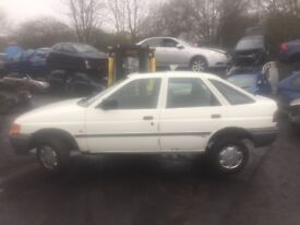 FORD ESCORT L 1991 BREAKING FOR SPARES