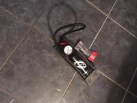 Bicycle foot pump