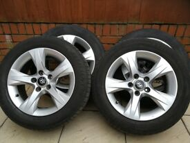 Hyundai alloy wheels and tyres