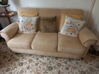 Three peace suite, light gold /beige
