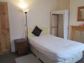 student let, 3-4 beds, university approaved city centre