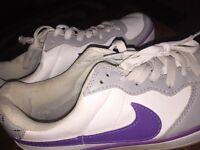 Ladies Nike trainers size uk6