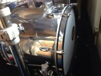 Pearl Export - Two bass drums and four mounted toms