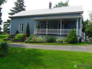 224 000$ - Maison à un étage et demi à vendre à Granby