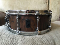 RARE Mapex Black Panther Retrosonic Walnut Snare Drum , like new, offers are welcome.