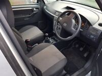 2005 Meriva 1.6 driveable with accident damage Good Engine