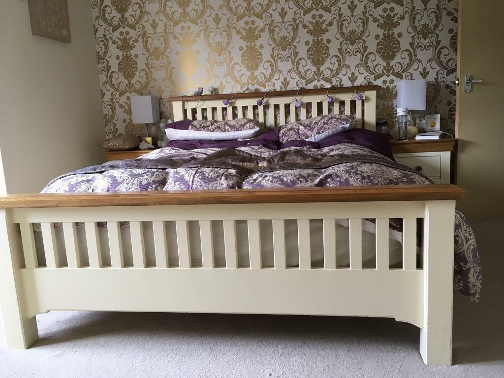 Country Cottage Style Oak King Size Bed