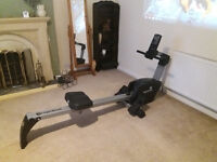 Roger black rowing machine Very good condition