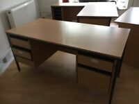 Office Furniture, 4 Desks, Very Good condition