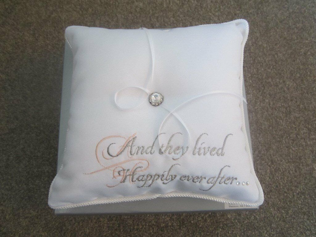 holder ring thread roses wedding cushion engagement ios pillow red new index