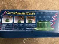 Excellent quality Lakeland Christmas Tree Stand / Base with water reservoir