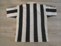 Replica Newcastle United Football Shirt