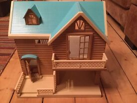 Sylvanian Families Larchwood Lodge & Accessories