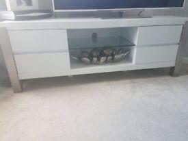 Quality High Gloss White TV Unit