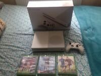 Xbox one s 500gb white,wireless controller,4 games Fifa 17 on console,boxed with all relevant cables