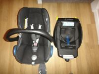 Maxi cosi cabrio fix car seat with iso fix base with rain cover head hugger and footmuff