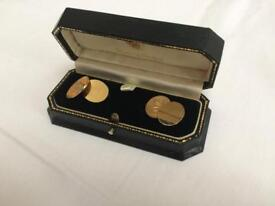 18 ct gold cuff links