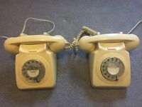 2 x 500 Series Rotary dial phones