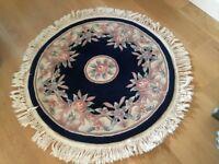 Round rug with fringe