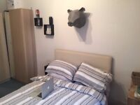 Spacious double room! Great location! Short term considered*Students are welcomed