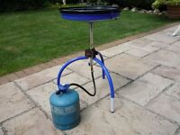 CADAC Combo BBQ, complete with lid, wok, carring bag & GAZ bottle. Very little use.
