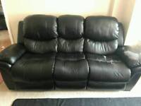 ***Free to Collect*** Leather 3+2 Sofa Suite