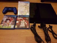 Sony Playstation 4 500GB PS4 with 1 pad and 3 games