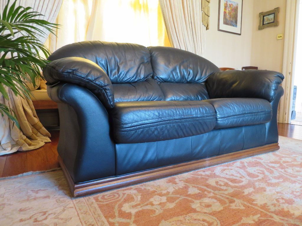 Cambria Black Leather 3 Piece Sofa With Footrest RRP GBP6000