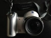 Konica Minolta dimage z3 . 4.0 mega pixels with Jessop case & strap nice little camera