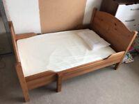 Oak Extendable Toddler Bed