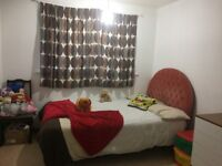 2 bed housing house rugby to 2/3 bed housing tô surrey ,crawley or horley