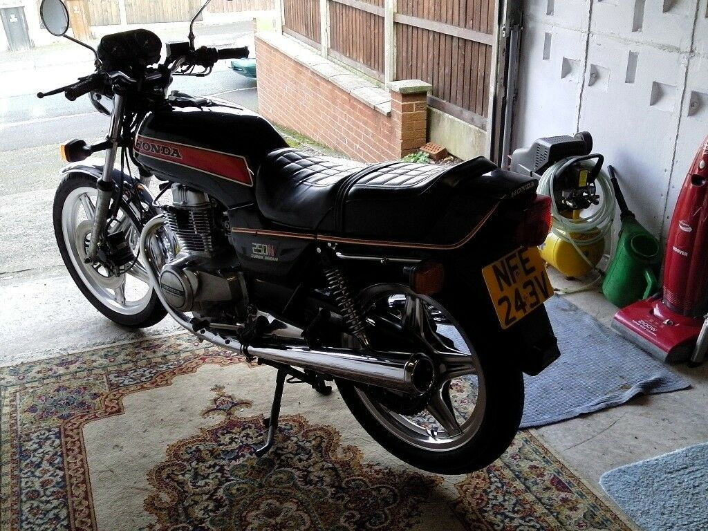 honda 250 superdream with very low mileage from new in cheadle