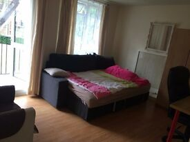 VERY BIG DOUBLE ROOM WITH OWN BALCONY AVAILABLE HEART OF PUTNEY,ALL BILLS INCLUSIVE
