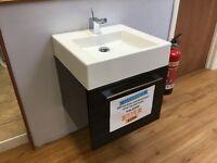 500 mm basin unit wall mounted