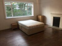 Large double room, all bills included no deposit!