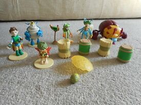 COMPLETE SET OF TREE FU TOM FIGURES