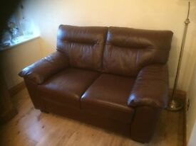 TWO SEATER LEATHER SOFA IN IST CLASS CONDITION