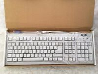 Two keyboards Sumvision SV302