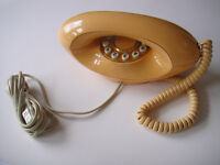 1983 Vintage BT Genie Retro Push Button Telephone, Stylish Peach Colour