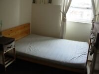 Lovely double room in clean tidy flat close to w/end and city centre.
