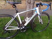 Giant Defy 0 road bike, Shimano Ultegra 11/22 speed groupset, RRP £1199 alu carbon, Trek Specialized